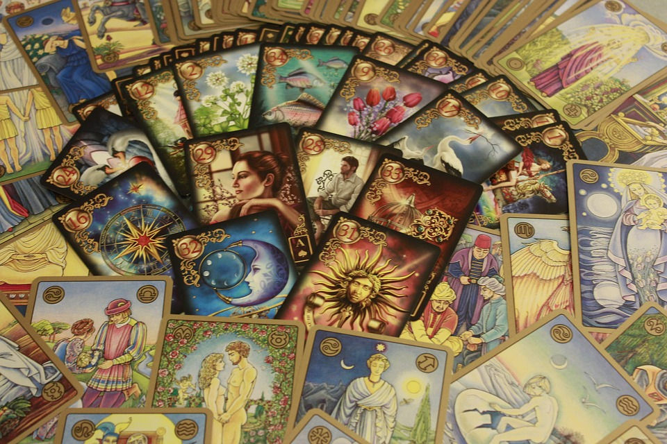 online and face to face tarot readings,Psychic Readings,Ambers Tarot,Angel and oracle card readings,oracle card readings,call upon your angels,Your angel can answer your question,Your angel can,What is the difference between an angel and spirit guide